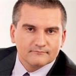 Аксенов обещал за полгода найти альтернативу Visa и MasterCard