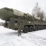 Танки и ракеты на фоне Заполярья