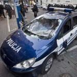 Польша: люди в масках устроили драку с болельщиками