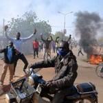 В Нигере протестующие сожгли восемь церквей