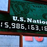 Мир захлебнется в долгах