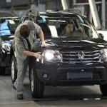 Renault сократит выпуск машин в России