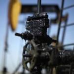 Нефть завершила двухнедельный отрезок рекордным ростом за 17 лет
