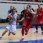 Баскетбол: «Химки» и УНИКС вышли в полуфинал Кубка Европы