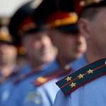 Полицейский в Мурманске избил двоих задержанных