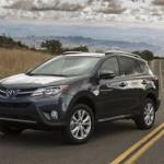 Компания Toyota поднимет цены на автомобили в России