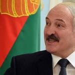 Лукашенко обвинил белорусов в девальвации рубля