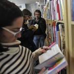 Медведев усомнился в необходимости маркировать книги по возрасту
