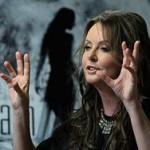 Сара Брайтман отложила подготовку к полету на МКС из-за мамы