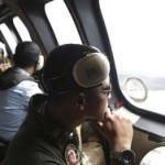 Попытка поднять фюзеляж самолета AirAsia провалилась