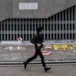 Гонконгского подростка-демонстранта не отняли у родителей