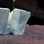 Ученые обнаружили на Марсе ледяные скалы