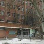 В больницу Донецка попал снаряд: эвакуируют раненых