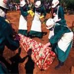 От вируса Эбола в Африке погибло более 7,8 тысяч человек