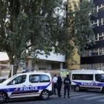 Во Франции подозреваемые террористы захватили заложников