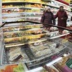 Петербург: в магазине держали клиентку в морозилке