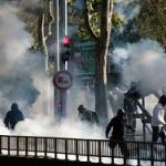 Столкновения демонстрантов с полицией произошли во Франции