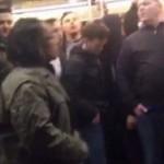 """Правозащитник вытолкнул чернокожего из вагона с фанатами """"Челси"""""""