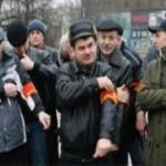 Крымским дружинникам выдадут газовые баллончики и наручники