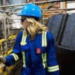 Нефтяные компании уволили более 100 тысяч человек