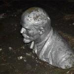В Запорожской области за ночь снесли четыре памятника Ленину