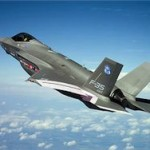 Парализованная женщина смогла управлять F-35 силой мысли