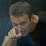 Суд не позволил ФСИН отправить Навального за решётку
