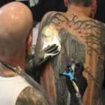 В Канаде изобрели крем для удаления татуировок