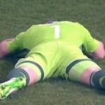 В матче со сборной Черногории Акинфееву попали файером в голову