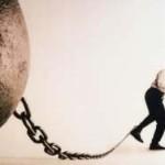 Для должников могут ввести временный запрет на работу