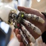 Дети и роботы учатся писать вместе