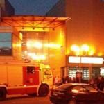 В двух торговых центрах Петербурга ищут бомбы